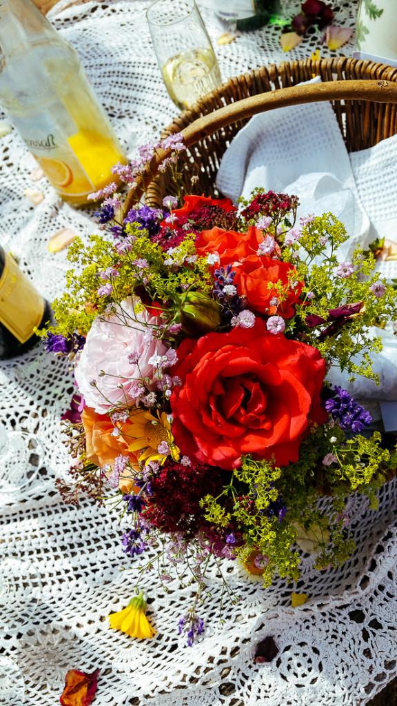FrauBpunkt Petits Fours Törtchen Hochzeit Lavendel Rose-10