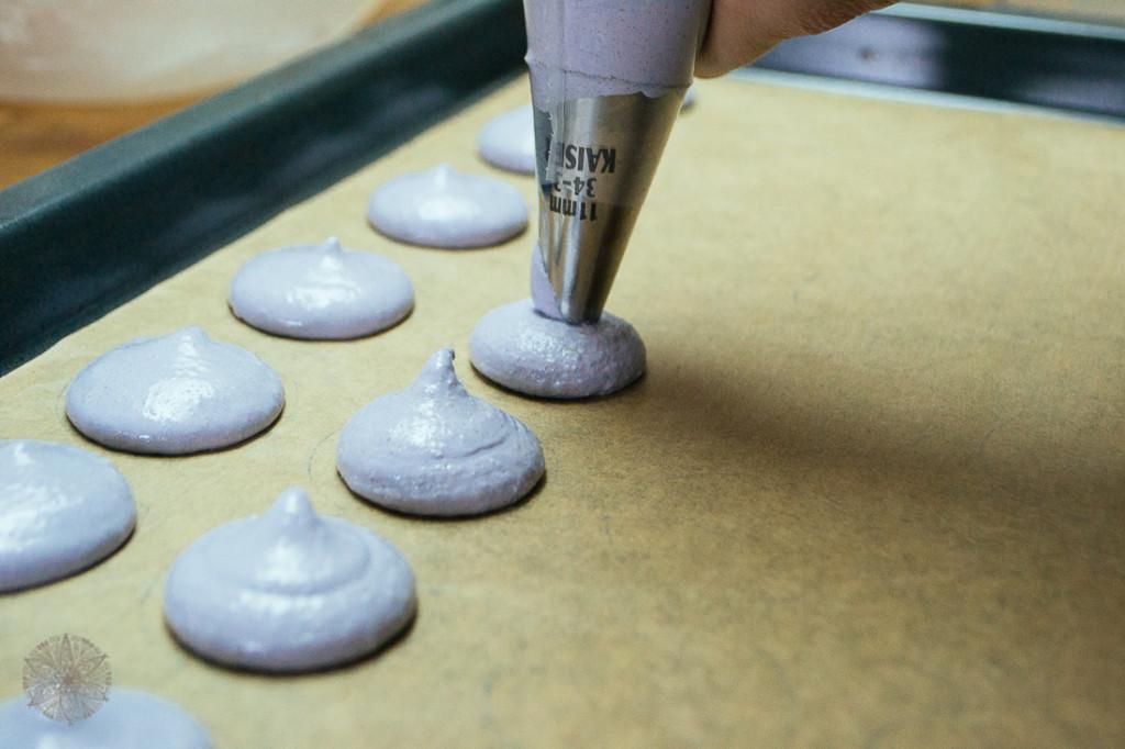 FrauBpunkt Macarons Veilchen Pfeffer Zitrone Rezept-0150