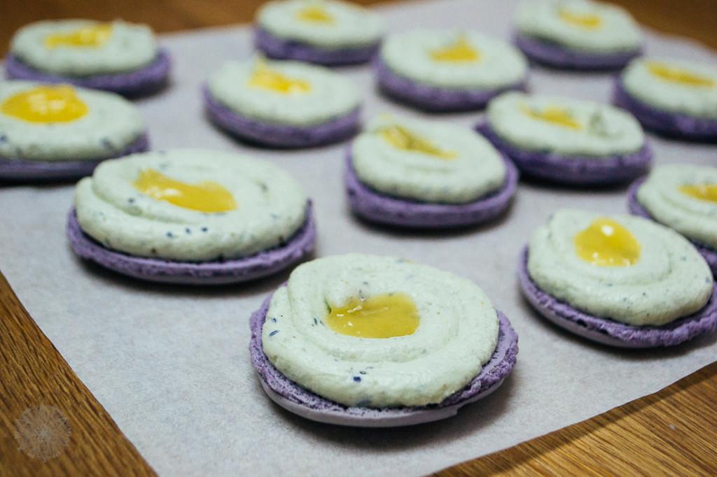 FrauBpunkt Macarons Veilchen Pfeffer Zitrone Rezept-0214
